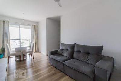 Apartamento No 4º Andar Mobiliado Com 2 Dormitórios E 2 Garagens - Id: 892907414 - 207414