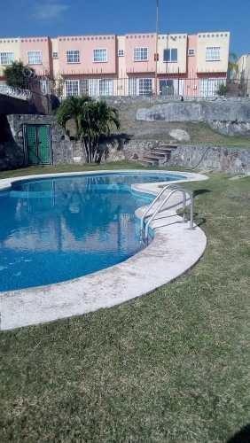 Bonita Casa En Punta Verde