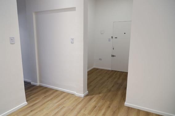 Departamento 2 Amb Con Patio Deck Y 2do Dormitorio En Fondo
