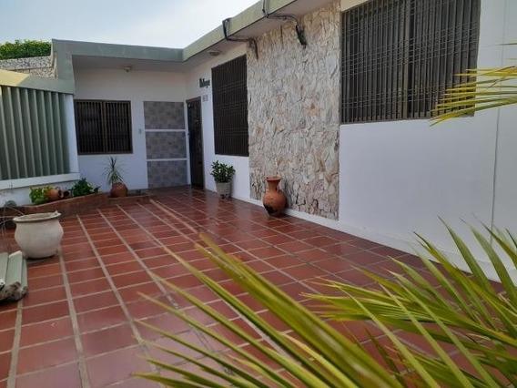 Venta Casa Quinta En Urb Las Lomas Codigo Mls Mls #20-3602