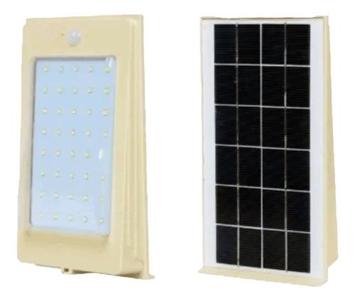 Imagen 1 de 3 de Lampara Solar Led 4w Recargable Con Kit Encendido Automatico