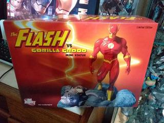 Flash Vs Grood Estatua Limitada