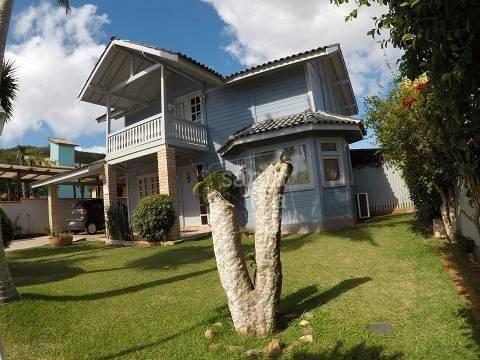 Casa Com 3 Dormitórios À Venda - Campeche - Florianópolis/sc - Ca2773