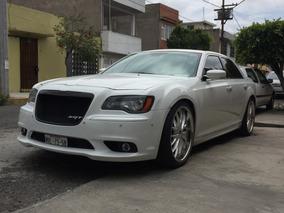 Único Chrysler 300 Srt8