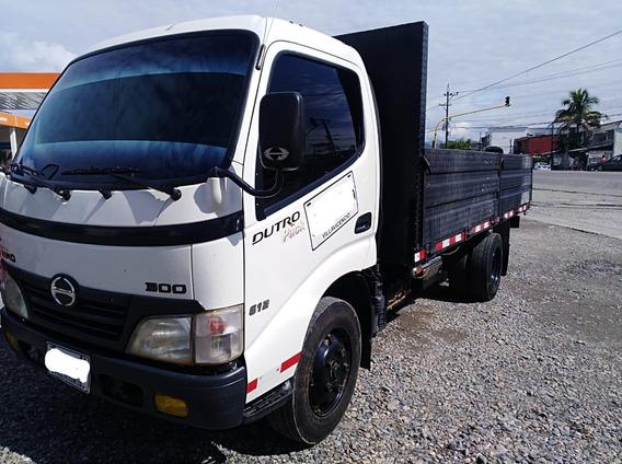 Hino Dutro Pack 300