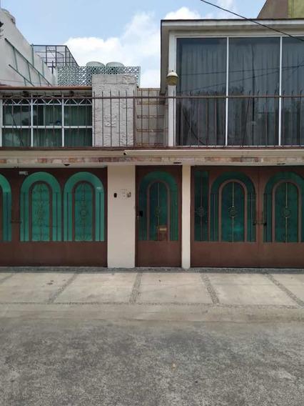 Casa En Niveles, 4 Recamaras, 2.5 Baños, Jacuzzi, 2 Autos