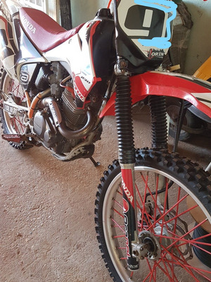 Crf 230f Ano 2012 Bem Conservada
