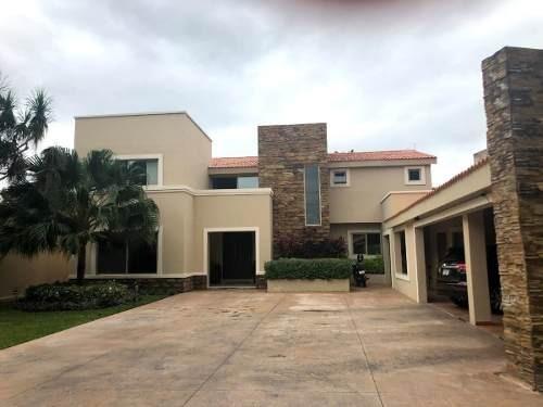 Estupenda Casa En Venta En Club De Golf La Ceiba, Merida, Yucatan
