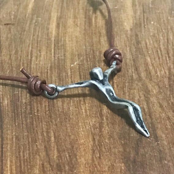 Colar De Couro Masculino Cristo Guerreiro Crucifixo