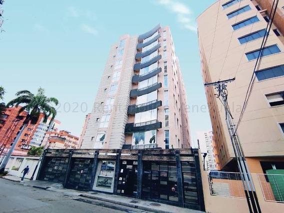 Apartamento En Venta Urb El Bosque, Maracay 21-5424 Hcc