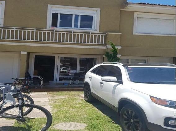 Casa De Praia Para Venda Em Imbé, 2 Dormitórios, 1 Banheiro - Dva050_2-983346