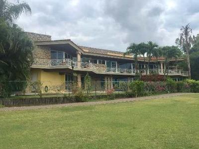 Hermosa Residencia En Lagunas De Miralta
