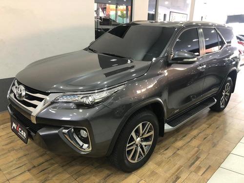 Toyota Hilux Sw4 2.8 Srx 4x4 7 Lugares 16v Turbo