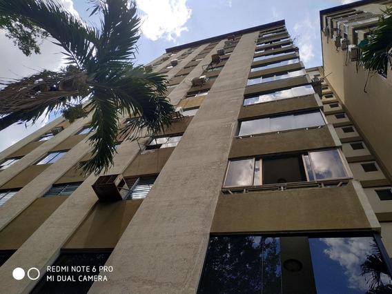 Apartamento En Venta Codflex 20-10087- Matias Abreu