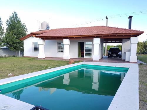 Muy Linda Casa Con Pileta, Siquiman, En Alquiler Temp. 2021