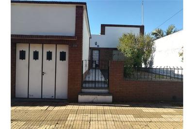 Casa De Tres Dormitorios, La Plata