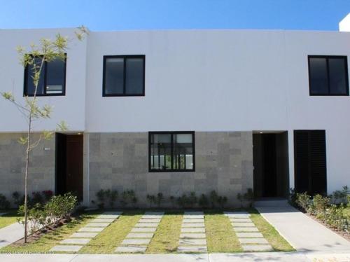 Casa En Renta En Zibata, El Marques, Rah-mx-20-2550