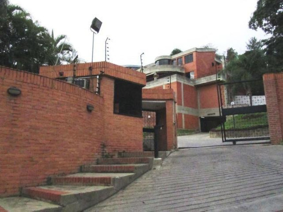 4 Townhouse En Venta 19-18806 Prados Del Este