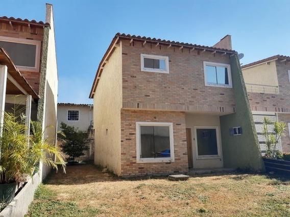 Apartamento En Venta Base Aragua Cod. 20-10642