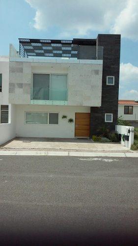 Se Renta Hermosa Casa En La Condesa Juriquilla, 3 Recamaras, Roof Garden, Lujo !