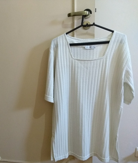 Blusa Decote Quadrado- Feminina- Tamanho M
