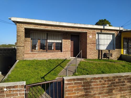 Excelente Inversión, Ideal Para Dos Familias .2 Casas