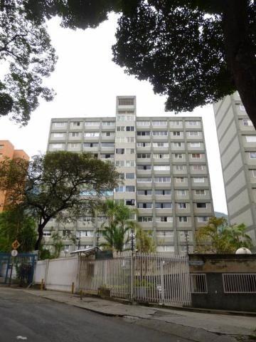 Apartamento En Venta Mls #19-17666
