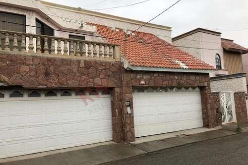 Casa A La Venta En Condominio San Marcos Zona Av. Antonio J. Bermudez Y Cuatro Siglos