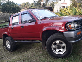Toyota Hilux 4x4 Turbo-diesel. Negociable