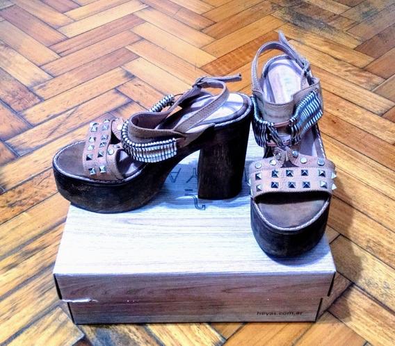 Sandalias Con Tachas Color Suela