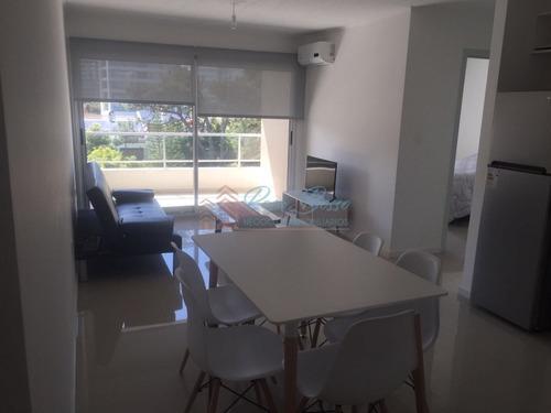 Apartamento En Brava, 2 Dormitorios *- Ref: 4752