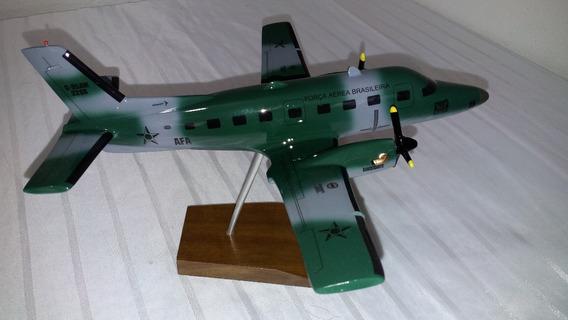Miniatura De Avião Bandeirante Fab Camuflado Afa 2286