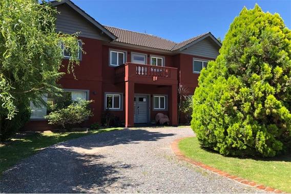 Casa 800 M2, Piscina Clim, 4 Dorm, Playroom, C/c