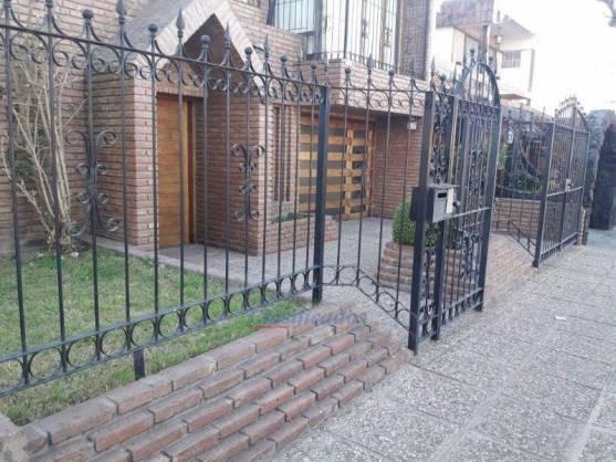 Venta - Casa Residencial Velez Sarsfield/ 3 Dorm