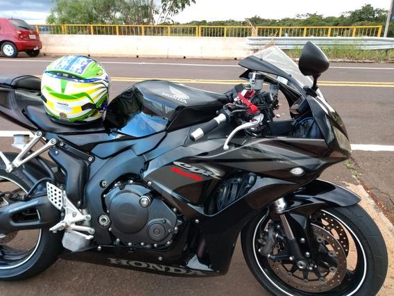 Moto Sportiva Honda Cbr 1000 Rr Fireblade