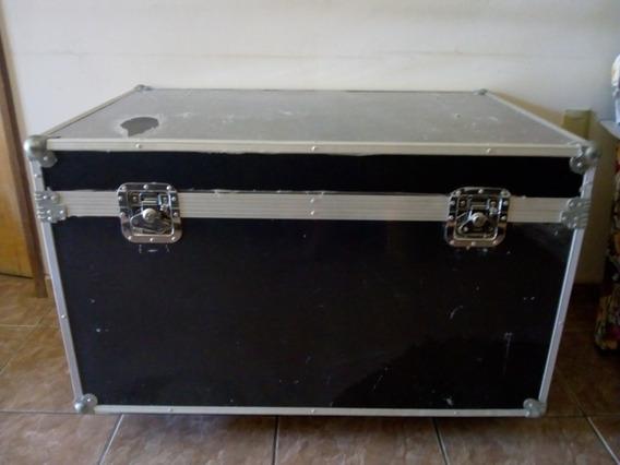 Case .. Baú Grande C/ Rodas