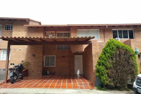 Twonhouse En Venta Rent A House Código 20-512