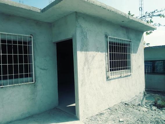 Casa En Venta, Sala Comedor, 2 Recamaras, Campo Futbol Cerc