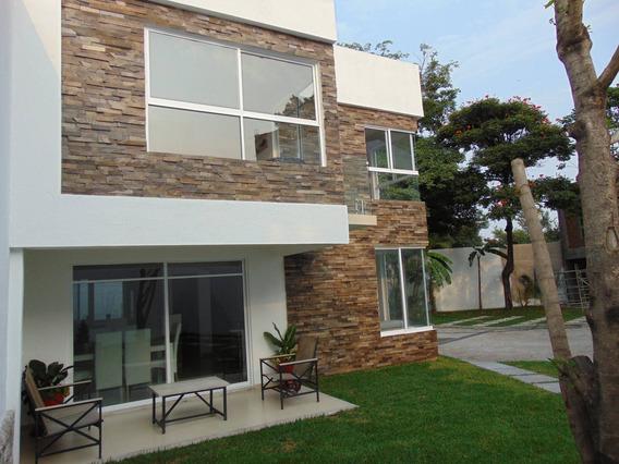 Casa Con Alberca Zona Pedregal De Las Fuentes