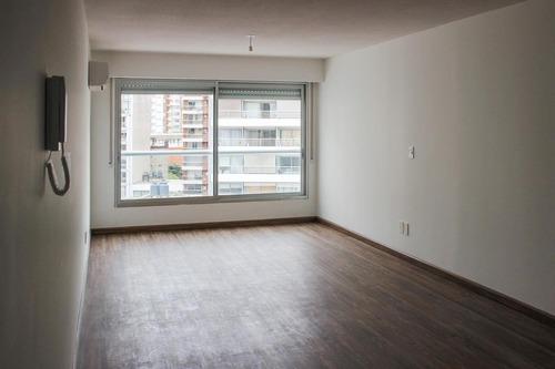 Venta Con Renta De Apartamento Monoambiente En Pocitos