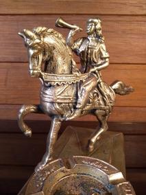 Antiga Escultura Em Bronze Cavaleiro Português - R 6303