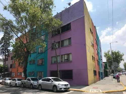 Av. Paseo De Las Jacarandas No. 74 - Depto Remodelado