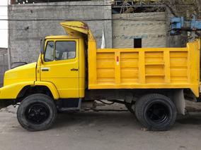 Camion Mercedez De Volteo