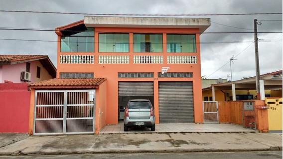 608-casa A Venda 200m² , 2 Dormitórios, 2 Banheiros.