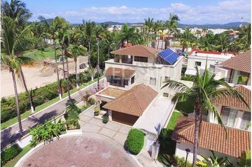 Villas De Rueda 16 - Casa En Venta Con Acceso Privado A La Playa