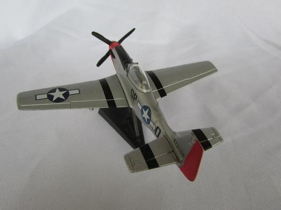 Miniatura P-51 D Mustang 1:100 - Importado França