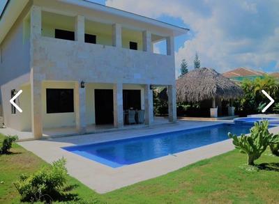 Luxury Villa En Cocotal Punta Cana Bavaro 4hb / 4b