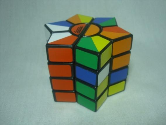 Jogo / Puzzle - Baseado No Cubo De Mágico De Rubik