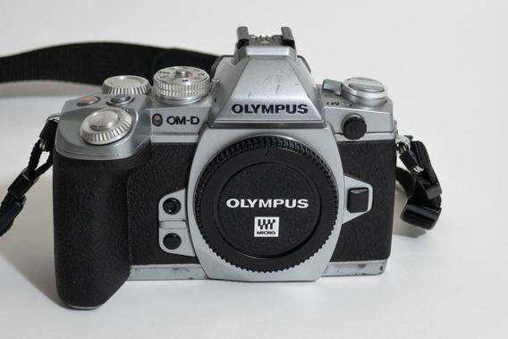 Câmera Mirrorless Olympus Om-d Em-1 (detalhe)