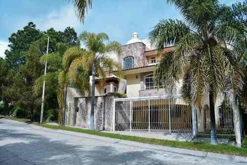 Casa En Venta Con Alberca, 2da Secc De Bugambilias, Zapopan